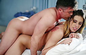 Horny Dude cums on TS Superstar Casey Kisses bouncy ass