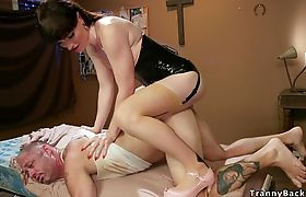 Big dick shemale anal bangs her fan
