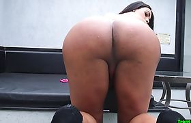Bigbooty trans plays with her ass before anal