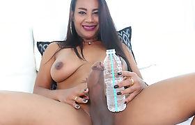 TS Jasmine masturbating