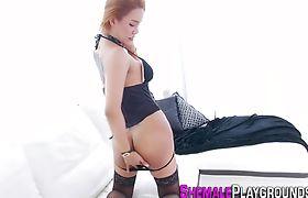 Big booty tgirl sucking