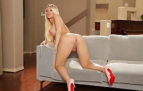 Busty Tgirl Aubrey Kate hot missionary anal sex with Ruckus
