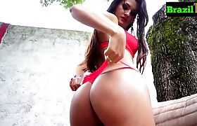 Gorgeous round assed brazilian ts wanks