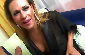 Blonde tranny has a deep throat