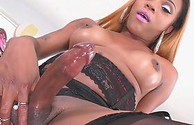 Black Tranny Amanda Coxxs Plays With Her Big Cock