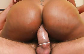 TS Natissa Dreams wants a fat dick