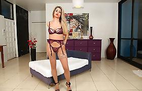 Super hot Latina TS Leticia Castro adores solo masturbation
