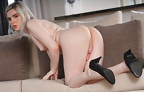 Transbabe Ella Hollywood finally gets anal by her Lovers bigcock
