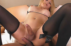 Desi-virgin-gf-painful-defloration