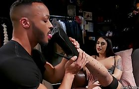 Shemale has sixtynine oral sex