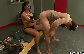 Fitness tranny and dude anal fuck each other