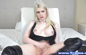 Gorgeous Tranny Babe in Hot Solo Handjob
