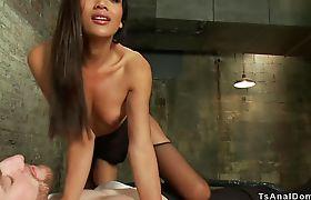 Tranny in lingerie anal bangs slave