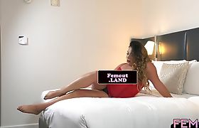 Chubby ts amateur wanking on the bed