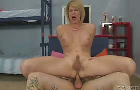 Big boobs mature blonde shemale Delia De Lion anal screwed