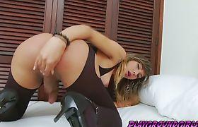 Tranny babe Keyce Bittencourt loves to stroke her meat