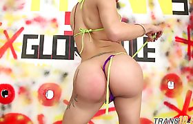 Round bootied ts chick gobbles down dicks