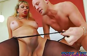 Busty shemale Walkiria Drumond gets her asshole ripped