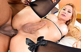 TS Samantha Souza Craves Some Anal