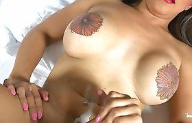 Big cock tranny Naomi Chi