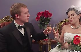 Busty shemale bride anal bangs hubby