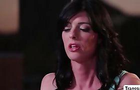 Hot TBabe Mandy Mitchell enjoys fucking babes pussy