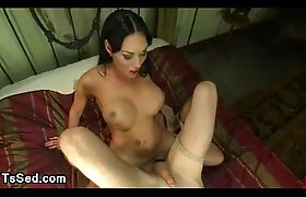Tranny made tied up guy to cum in bed