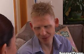 Teen shemale eats mature female pussy