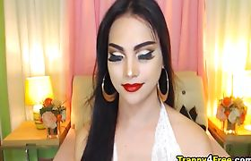 Pretty Tranny Babe Masturbating On Webcam